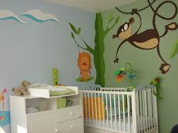 mur chambre fille idee deco avec fille decoration murale ancien et lit bleu