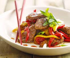 recette cuisine wok wok de bœuf à la mangue recette de cyril lignac