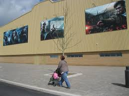 the making of harry potter studio tour has sets appeal part 1 when you first arrive you really get the feeling that you could be in hollywood as you are greeted by massive images from the harry potter films