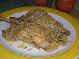 cuisiner le lapin en sauce lapin à la sauce moutarde recette ptitchef