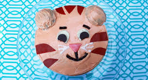 daniel tiger birthday cake birthday party food pbs parents pbs