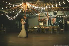 Does the wedding decor theme depend on the venue What was your