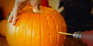 et pumpkin carving ideas pumpkin carving hacks that will totally up your halloween game
