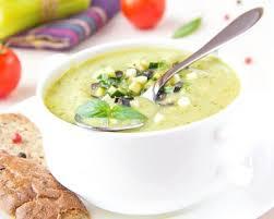 cuisiner concombre recette soupe de concombre froide à la menthe et yaourt