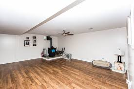 Laminate Flooring Wakefield 906 Knollwood Wakefield Ks 67487 Listings Veteran Omar Pacheco