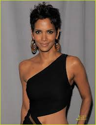 holly berry hairstyles in 1980 halle berry fifi awards honoree photo 2547226 halle berry