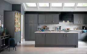 repeindre sa cuisine en gris peinture facade cuisine trendy repeindre une facade mur repeindre
