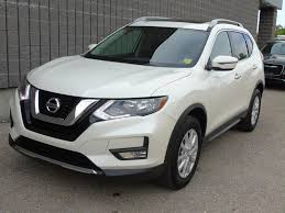 nissan rogue 2017 2017 nissan rogue sv awd pano 26 991 winnipeg auto gallery