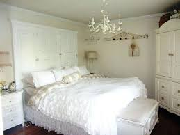 feng shui master bedroom chandeliers chandelier above bed feng shui black chandelier in