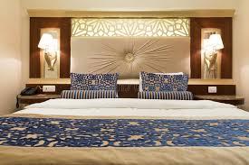 chambre d hotel de luxe chambre d hôtel de luxe avec la chambre à coucher confortable et le