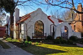 Colonial Revival Homes by Spanish Style Homes Spanish Colonial Revival A Flat Roof Style