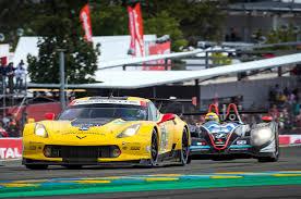 chevrolet corvette racing chevrolet corvette c7 r with team chevy corvette racing 24 hours