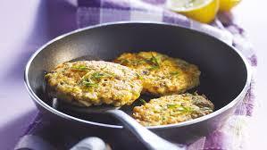 cuisiner le saumon frais recette de tartare de saumon frais poêlé auchan et moi