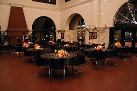 Halloween Wedding Party Decorations by Cheap Halloween Wedding Decorations And Centerpiece Ideas