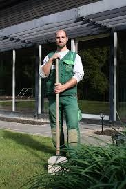 g rtner garten und landschaftsbau gärtner in garten und landschaftsbau beroobi das berufe portal
