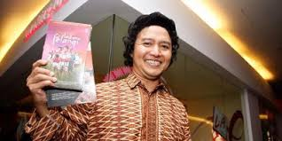 biography raditya dika dalam bahasa inggris biographies of legends biography of andrea hirata novel writers