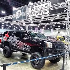 lift kits for cadillac escalade anyone running a bulletproof 10 12 inch lift on their 2015