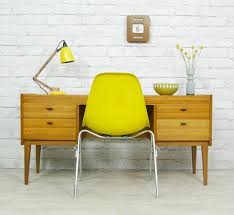 chaise bureau jaune http des chaises en couleur com index php category decoration
