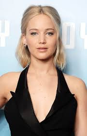 hair styles just abovethe shoulders 18 times jennifer lawrence gave us major hair envy hellogiggles
