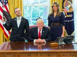 Gold Curtains In The Oval Office Sassy Teacher Pops His Fan For Trump In The Oval Office