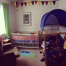 why my boys share a bedroom and tips for making it work