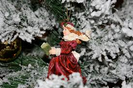 Christmas Decorations Snow Tree by Under A Blanket Of Snow 10 Christmas Tree Decoration Ideas U2026