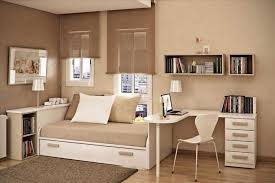 Small Bedrooms With Queen Bed Home Decoration A Small Bedroom Ides With Queen Bed Nd Desk