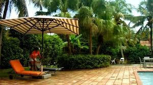 giant cantilever patio umbrellas pool demo poggesi usa youtube