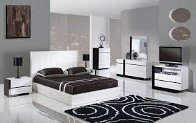 Black And White Bedroom Furniture by Leather Bedroom Furniture