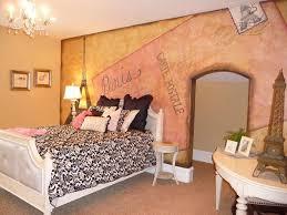 Purple Paris Themed Bedroom by 39 Best Paris Room Decor Images On Pinterest Paris Rooms Paris