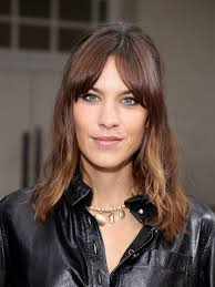Curtain Fringe Curtain Bangs Are Trending Here S How To Wear Them
