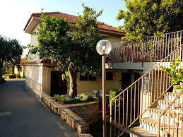 si e auto age obligatoire villaggio costa alta piano di sorrento italy booking com