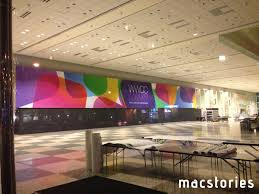 apple starts decorating moscone west with wwdc 2013 banners