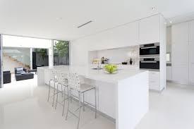 cuisine moderne blanc laqué cuisine equipee blanc laque neha magasin am nag e sur homewreckr co