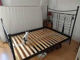 Schlafzimmer Bett Ecke Schlafzimmer Schönes Ikea Bett Bettgestell Aus Schwarzem Metall