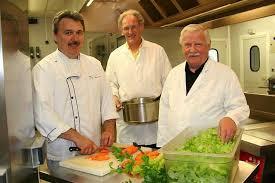 cuisine centrale le mans l agriculture bio pousse la porte des cantines scolaires info le