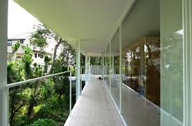 architecture tight and chic suishouen house entryway balcony