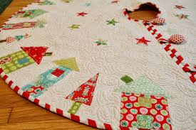 excellent decoration pattern for christmas tree skirt quilted