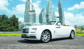 roll royce indonesia meet the rolls royce dawn a convertible with coupé like qualities