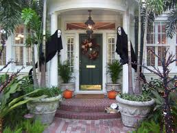 cool outdoor halloween decorations scary homemade halloween decorations outside