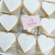 wedding favours personalised heart wedding favours sweetcheeks cookies cakes