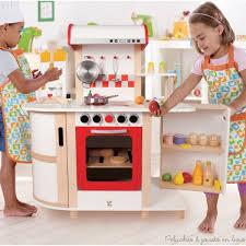 dinette cuisine superior cuisine avec snack bar 3 cuisine en bois jouet amp