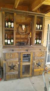 Cowboy Style Home Decor by Best 25 Saloon Decor Ideas On Pinterest Rodeo Party Cowboy