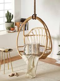 chaise suspendu chaise suspendue au plafond maison image idée