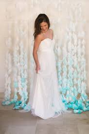 wedding backdrop tutorial gentle diy dip dyed coffee filter wedding backdrop weddingomania