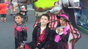 Six Flags Fright Fest California Six Flags Apologizes For Frightening Kids At Fright Fest Cw33