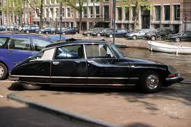 citroen classic the citroën ds 19 why it u0027s the ultimate classic car citroen ds