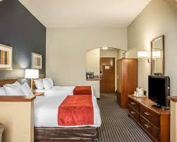 Kentucky Comfort Center Comfort Suites Newport Ky Hotel Near University Of Cincinnati