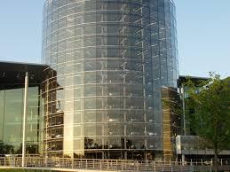 volkswagen headquarters file glass manufacture vw phaeton dresden3 jpg wikimedia commons