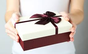 engagement gift from parents your guide to engagement gift etiquette